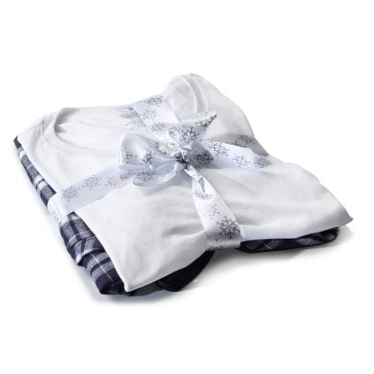 Jet Snowflake 2016 Loungewear Set - Women - bit.ly/2fwsZc6